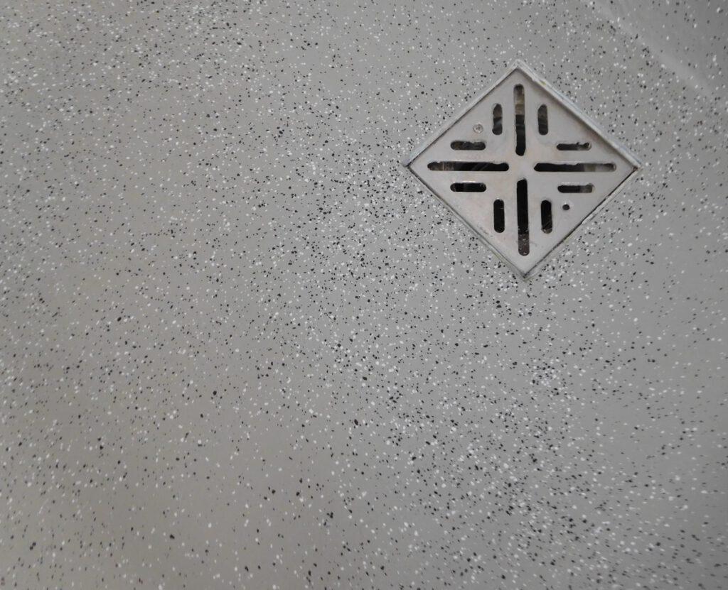 Bodenbeschichtung mit Chipseinstreuung